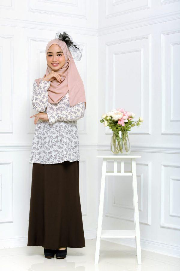 Baju Kurung Eleeza White Black